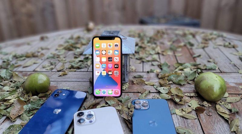 iPhone 12 Mini mult așteptatul telefon Apple de către fanii telefoanelor mici